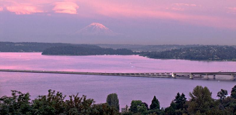 Pink-Sunset-on-Rainier